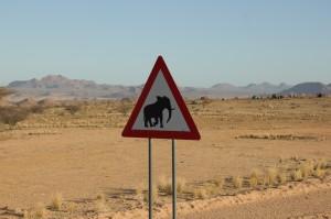 Warnschild für Elefanten